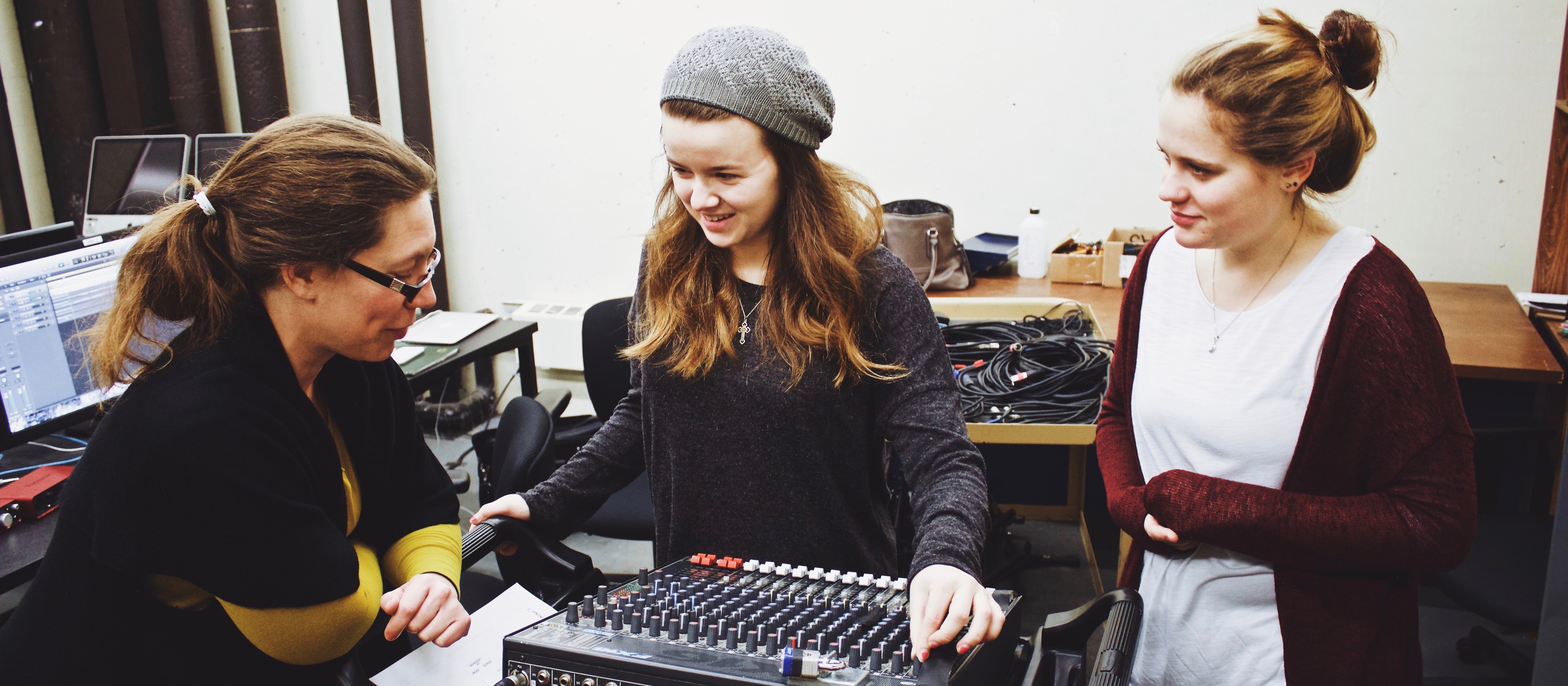 Faculty member Amy Altadonna talks to students in sound design class